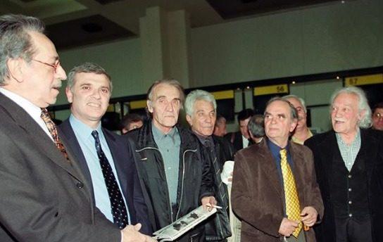 ΠΑΕ: «Ο Μανώλης Γλέζος στο παλιό Αεροδρόμιο κατά την αναχώρηση της αποστολής της ΑΕΚ προς το Βελιγράδι» (ΦΩΤΟ)