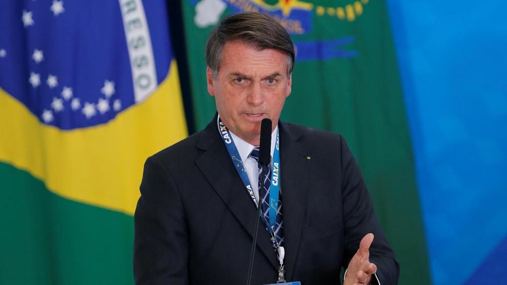 Μπολσονάρου: Κόλπο των... media ο κορωνοϊός