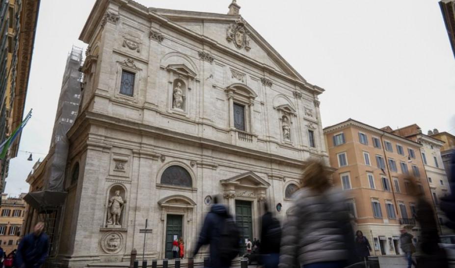Ανοιχτές οι εκκλησίες στην Ρώμη χωρίς Λειτουργίες και Θεία Κοινωνία!