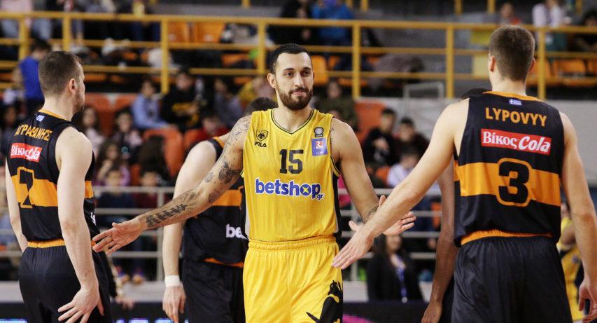 Ο Χρυσικόπουλος... μένει σπίτι και προπονείται στη ραβέρσα! (VIDEO)