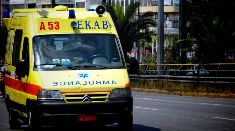 Ημίγυμνη γυναίκα βρέθηκε νεκρή έξω από σχολείο στη Βέροια