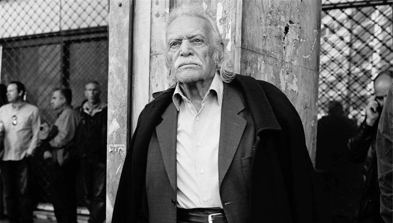 Τιμής ένεκεν τάφος στην οικογένεια του Μανώλη Γλέζου από τον Δήμο Αθηναίων