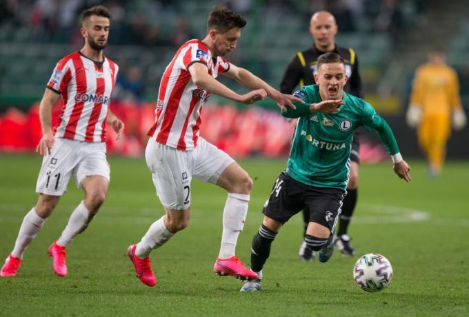 Στην Πολωνία βρήκαν λύση για να γίνει το πρωτάθλημα: σε καραντίνα οι 16 ομάδες!