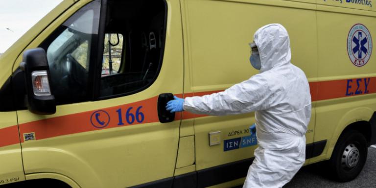 Κορωνοϊός: Οι θάνατοι από τον ιό σε ένα μήνα αγγίζουν τους μισούς νεκρούς από τη γρίπη σε έναν χρόνο