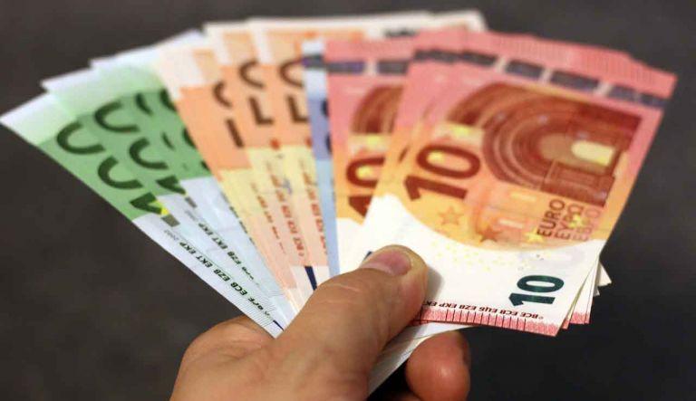 Κορωνοϊός-Επίδομα 800 ευρώ: Προστίθενται ηθοποιοί, τραγουδιστές και άλλες 27 κατηγορίες