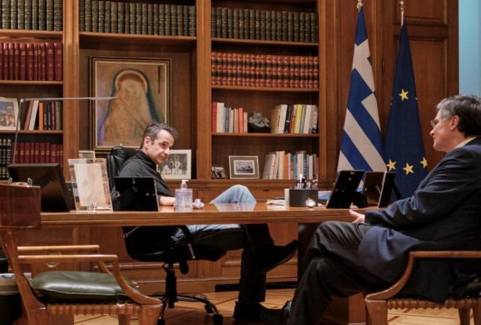 Κορωνοϊός: Απομακρύνεται το σενάριο πιο «σκληρών» μέτρων από την κυβέρνηση