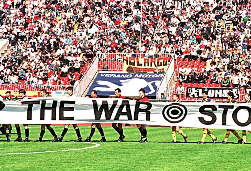 AEK: «Όταν η ΑΕΚ πέρασε τα σύνορα της ιστορίας, όταν το ποδόσφαιρο νίκησε τον φόβο» (ΦΩΤΟ)