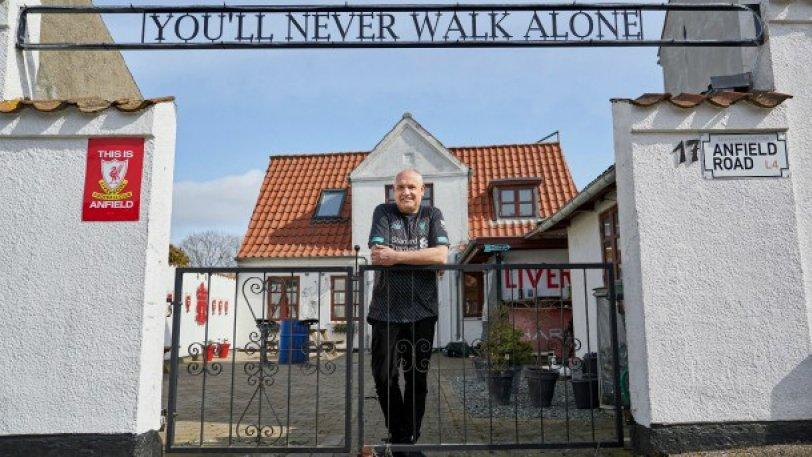 Δανός οπαδός μεταμόρφωσε το σπίτι του σε... Ανφιλντ