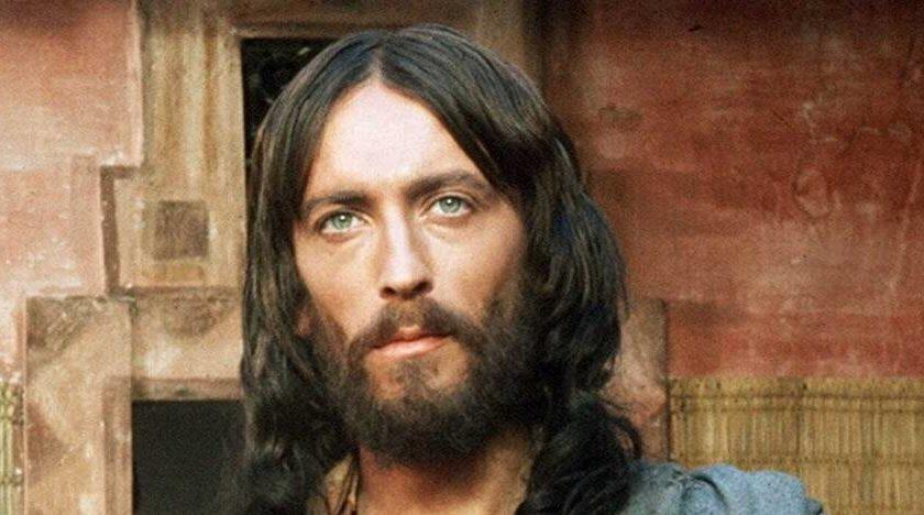 Έτσι είναι σήμερα ο ηθοποιός του «Ιησού από τη Ναζαρέτ» (ΦΩΤΟ)