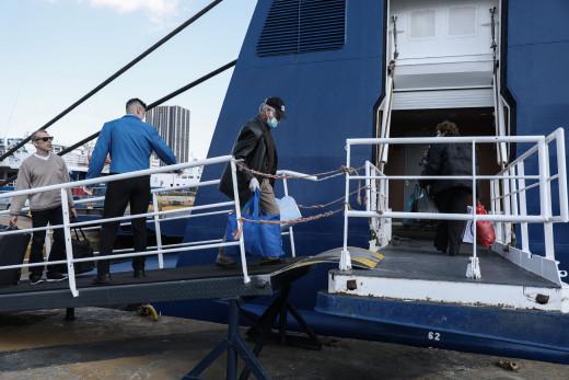 Αρση μέτρων: Ελεύθερη μετακίνηση σε όλα τα νησιά από τις 25 Μαΐου -Ανοίγουν το Σαββατοκύριακο οι πλαζ