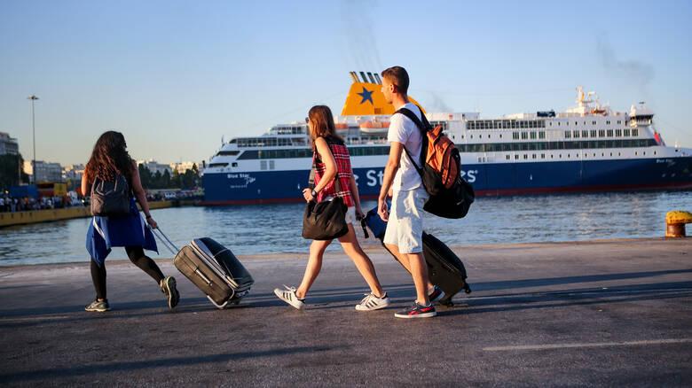Άρση μέτρων: «Ανοίγουν» από αύριο τα νησιά -Ελεύθερη η μετακίνηση εργαζομένων σε επιχειρήσεις που επαναλειτουργούν