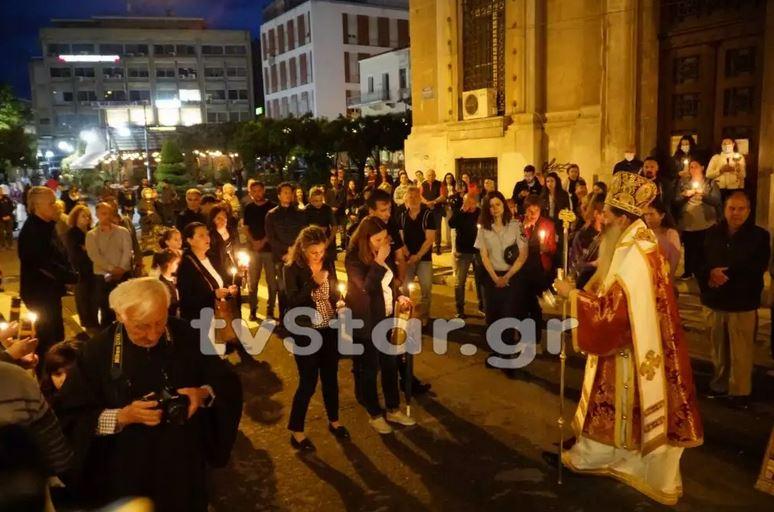 Πλήθος κόσμου στις εκκλησίες όλης της χώρας για την «Ανάσταση» του κορωνοϊού (ΦΩΤΟ-VIDEO)