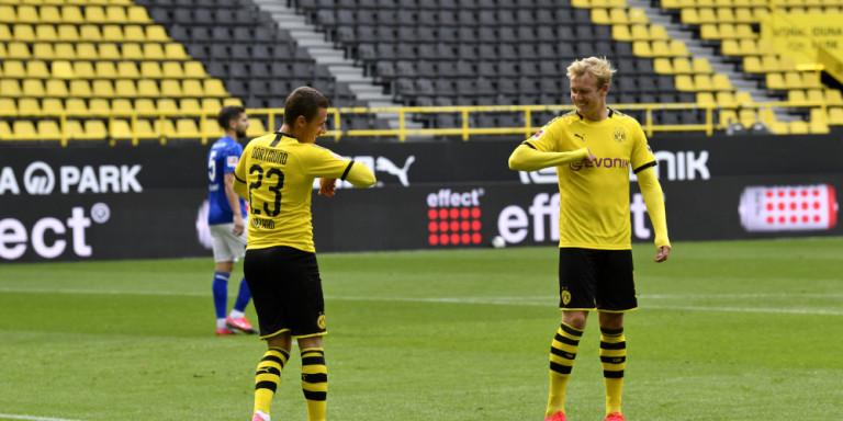 Bundesliga: Το ποδόσφαιρο επέστρεψε διαφορετικό αλλά με «ματσάρες» στη Γερμανία -Πανηγυρισμοί με αγκώνες και αποστάσεις (VIDEO)