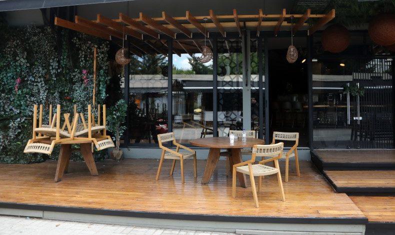 Εστίαση: Στο φουλ οι ετοιμασίες για το άνοιγμα -Τι αλλάζει σε εστιατόρια, καφέ, μπαρ (ΦΩΤΟ)