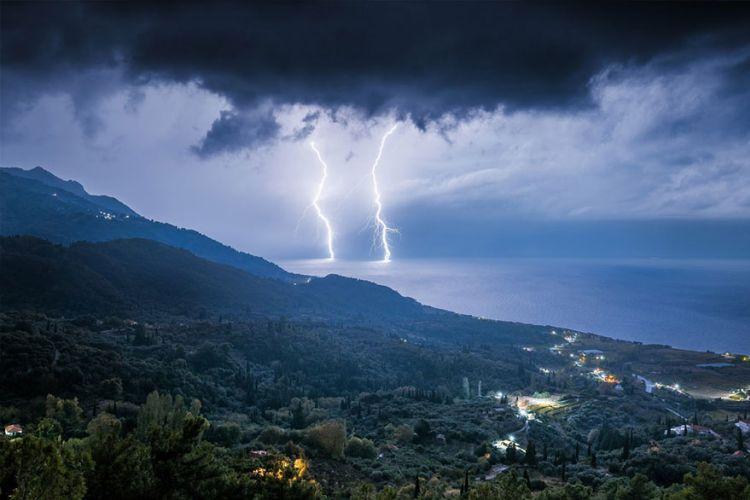 Τραγωδία στη Σκόπελο: Κεραυνός χτύπησε και σκότωσε 50χρονη!
