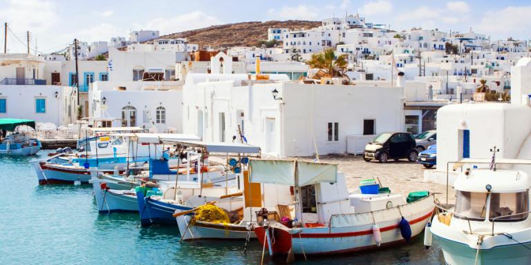 Το σχέδιο του υπουργείου Υγείας για τον τουρισμό: Η νησιωτική χώρα θα «χωριστεί» σε 3 ζώνες