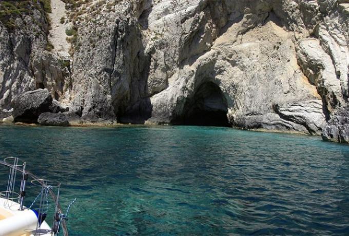 Ταξιδιωτική οδηγία Bild στους Γερμανούς: Να πάτε σε ερημικά ελληνικά νησιά!