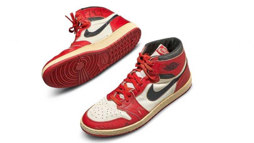 Τα υπογεγραμμένα «Air Jordans 1» εκτιμάται ότι θα «πιάσουν» 150.000 δολάρια