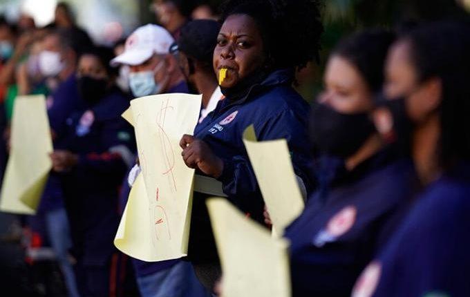 Βραζιλία: Σχεδόν 50.000 οι νεκροί από τον κορωνοϊό