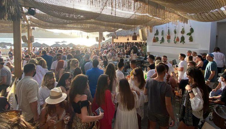 Μύκονος: Έφοδος στα μπαρ του νησιού