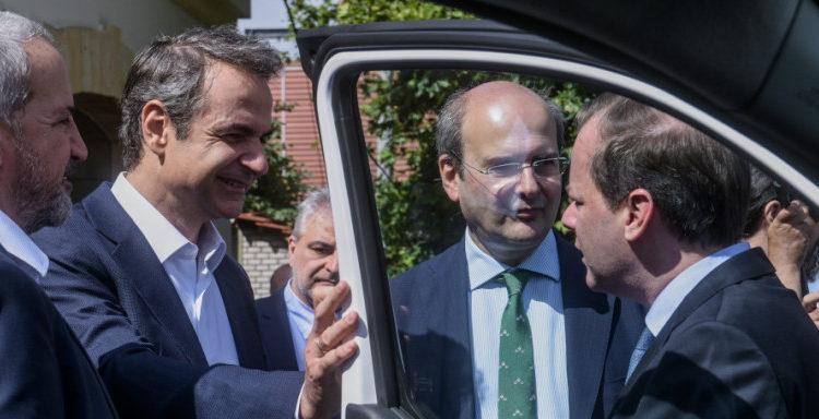 Ηλεκτρικά αυτοκίνητα: Πόσο επιδοτούνται, πού θα φορτίζονται -Εως 5.500 ευρώ για αγορά ΙΧ