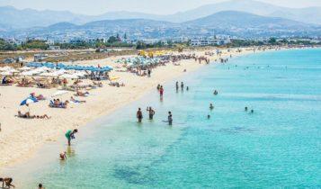 Παπαθανάσης: «Επιτρέπεται μουσική και αλκοόλ στις παραλίες από το Σάββατο»