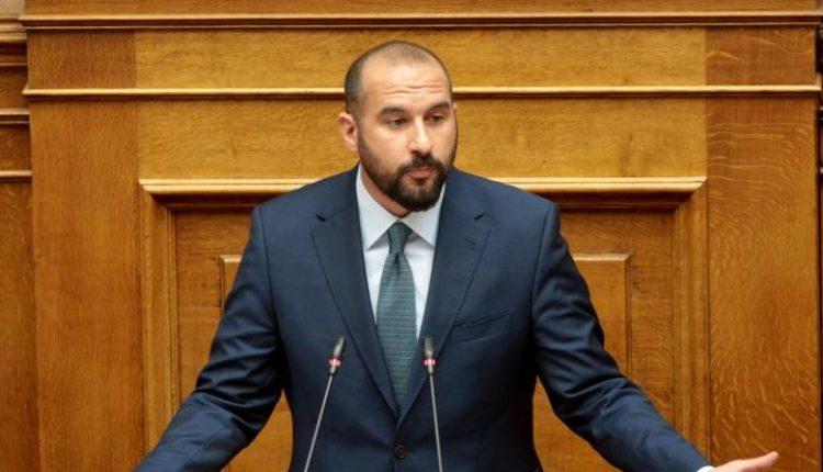 Τζανακόπουλος: «Ποιους φωτογραφίζετε κ. Αυγενάκη;»