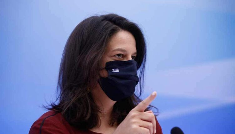 Κεραμέως: «Κανένας δεν θα γίνεται δεκτός στο σχολείο χωρίς μάσκα»