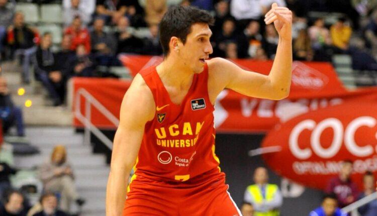 Λαρεντζάκης: Η πρώτη του φωτογραφία με τη φανέλα του Ολυμπιακού (ΦΩΤΟ)