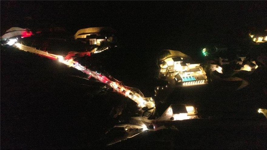 Κορωνοϊός: Πάρτι με 500 (!) άτομα στη Μύκονο -Συνελήφθη ο διαχειριστής της βίλας (ΦΩΤΟ)