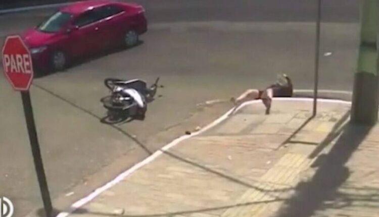 Κατέληξε σε φρεάτιο έπειτα από τροχαίο (VIDEO)