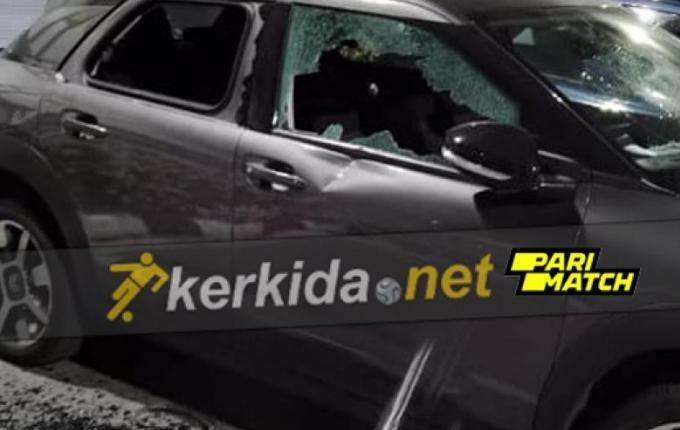 ΑΠΟΕΛ: «Ντου» των οπαδών στα αυτοκίνητα των παικτών του Ουζουνίδη (ΦΩΤΟ)