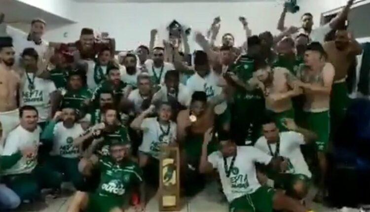 Σαπεκοένσε: Πρωταθλήτρια, τέσσερα χρόνια μετά την τραγωδία! (VIDEO)