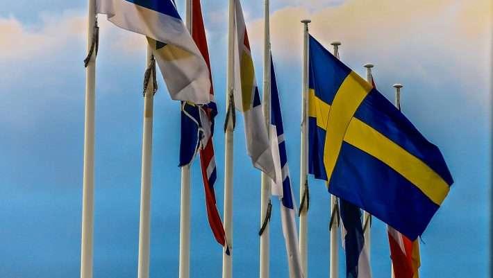 Την ώρα που ο κορωνοϊός φουντώνει στην Ευρώπη η Σουηδία κάνει τη μεγάλη έκπληξη…