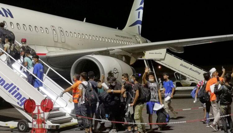 Λέσβος: Μεταφέρθηκαν από το νησί στην ενδοχώρα 406 ασυνόδευτα προσφυγόπουλα