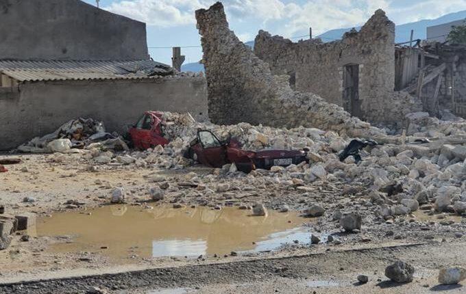 Σεισμός στη Σάμο: Το λιμάνι κόπηκε στη μέση (ΦΩΤΟ)