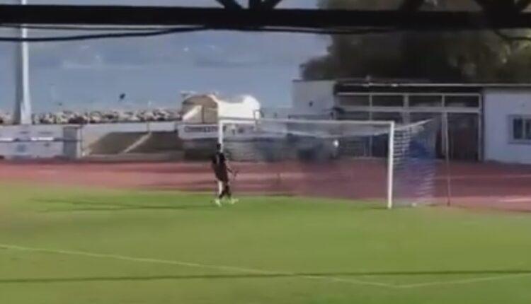 Τρομερό γκολ από τη σέντρα σε ματς Γ' Εθνικής (VIDEO)