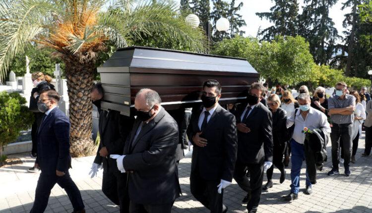 Κηδεία Κώστα Μπατή: Θλίψη στο τελευταίο αντίο