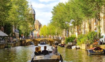 «Εμείς δεν θα γίνουμε Σουηδία»: Το έσχατο σημείο στο οποίο έφερε την Ολλανδία η ανοσία της αγέλης
