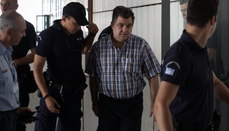 Ρουπακιάς: Στη ΓΑΔΑ ο δολοφόνος του Φύσσα - Συνοδεία πάνοπλων αστυνομικών