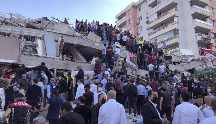 Σεισμός Σμύρνη: Μάχη με τον χρόνο δίνουν τα σωστικά συνεργεία -Τουλάχιστον 24 νεκροί (ΦΩΤΟ-VIDEO)