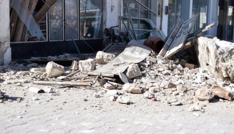 Σεισμός Σάμος: Η στιγμή που η θάλασσα βγαίνει στη στεριά (VIDEO)