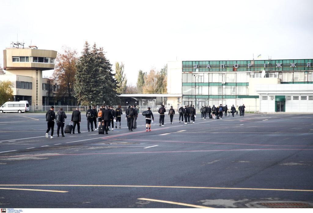 Εικόνες από την άφιξη της ΑΕΚ στην Ουκρανία