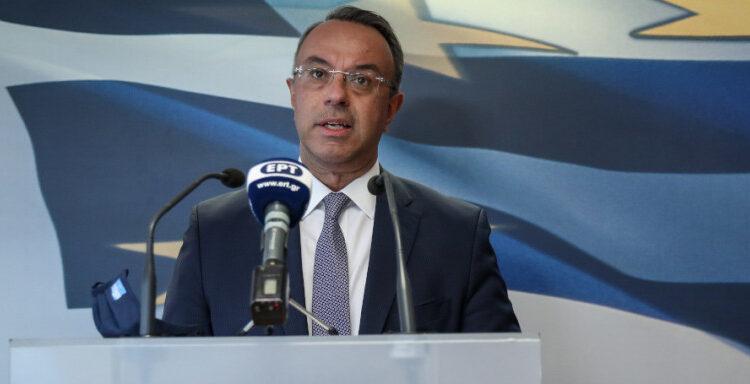 Σταϊκούρας: «Στα 3,3 δισ. ευρώ το κόστος των πρόσθετων μέτρων -Τι ισχύει για το επίδομα»