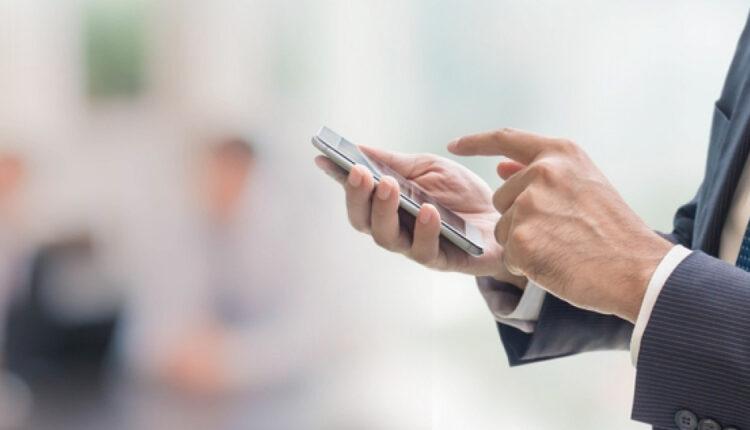 Σχεδόν όλη η Ελλάδα SMS - Πιερρακάκης: «8,6 εκατ. μηνύματα το Σαββατοκύριακο στο 13033!»