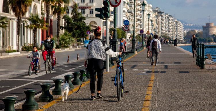 Κορωνοϊός: Στο επίκεντρο ξανά η Θεσσαλονίκη με 725 κρούσματα -697 στην Αττική