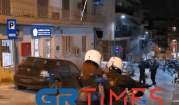 Θεσσαλονίκη: Επίθεση με «βροχή» μολότοφ στο ΑΤ Νεάπολης – Συκεών (VIDEO)