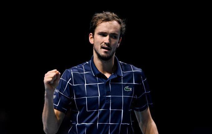 ATP Finals: O αλύγιστος Μεντβέντεφ έκοψε τον δρόμο του Ναδάλ