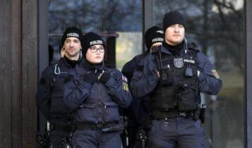 Βερολίνο: Αυτοκίνητο έπεσε στην είσοδο του γραφείου της Άνγκελα Μέρκελ