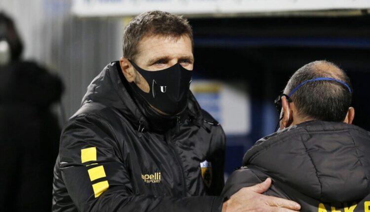 ΑΕΚ: Ξέσπασμα Καρέρα στα αποδυτήρια μετά το ματς - Φίλησε έναν έναν τους ποδοσφαιριστές!